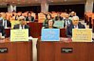 HDP'li milletvekillerinden Genel Kurul'da dövizli...