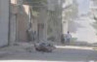 IŞİD Kobani'ye Grad füzeleriyle saldırdı: 2 sivil...