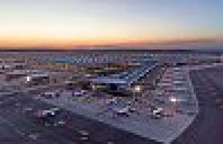 İstanbul Havalimanı uçuşlara hazırlanıyor: Maske...