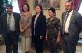 İtalya Meclis Başkanı Rojava heyetini resmi protokolle...