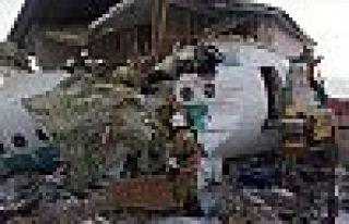 Kazakistan'da Yolcu Uçağı Düştü: 14 Ölü, 35...