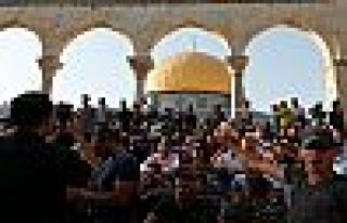 Mescid-i Aksa'da cuma namazı öncesi yeni yasak
