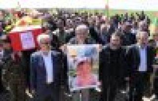 Newroz şehitleri için görkemli tören