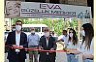 Şemdinli'de EVA Güzellik Merkezi Hizmete Açıldı