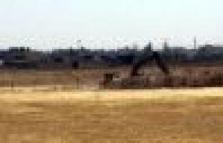 TSK, Nusaybin-Kamışlo arasına hendek kazmaya başladı