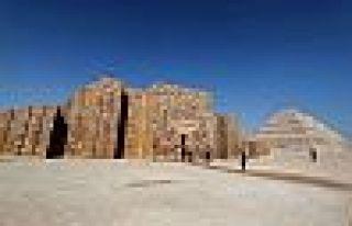 Zoser Piramidi 14 yıllık restorasyon sonrası açıldı