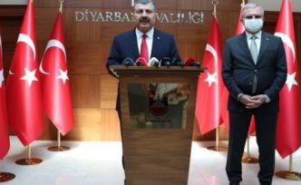 Sağlık Bakanı Koca Diyarbakır'da: 'Vaka oranında yüzde 49 düşüş var'