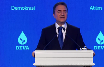 Babacan: YEP Türkiye'nin fakirleştiğini hem tescil hem de ilan etti