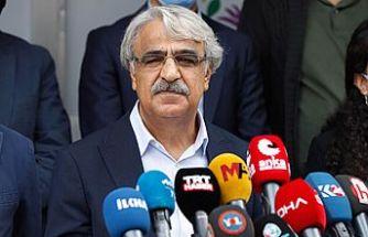 Sancar: AK Parti ve MHP bizim üzerimizden birbirine mesaj veriyor