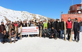 Şemdinlili gençlere profesyonel kayak takımları hediye edildi