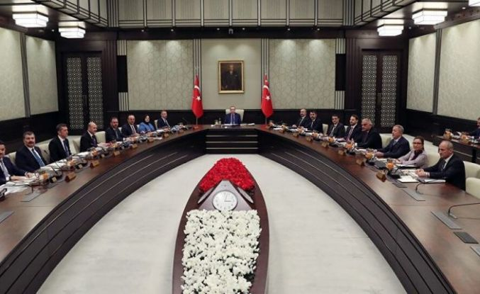 Fırat: Kabinede ve AK Parti yönetiminde değişiklikler bekleniyor