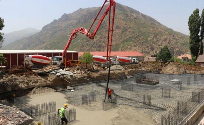 Şemdinli Belediyesinin yeni hizmet binasının temeli atıldı