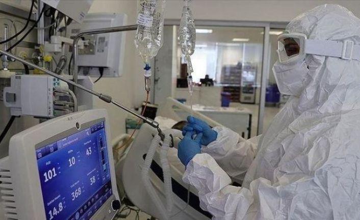 Koronavirüs salgınında günlük vaka sayısı 30 bin 694 oldu